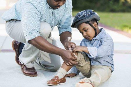 الاسعافات الاولية للاطفال خطوة بخطوة نصائح الأطباء للتصرف في مختلف المواقف الطارئة