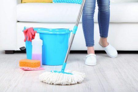 طريقة تنظيف البلاط من الدهان .. تنظيف السيراميك والارضيات الخشبية من بقع الدهان