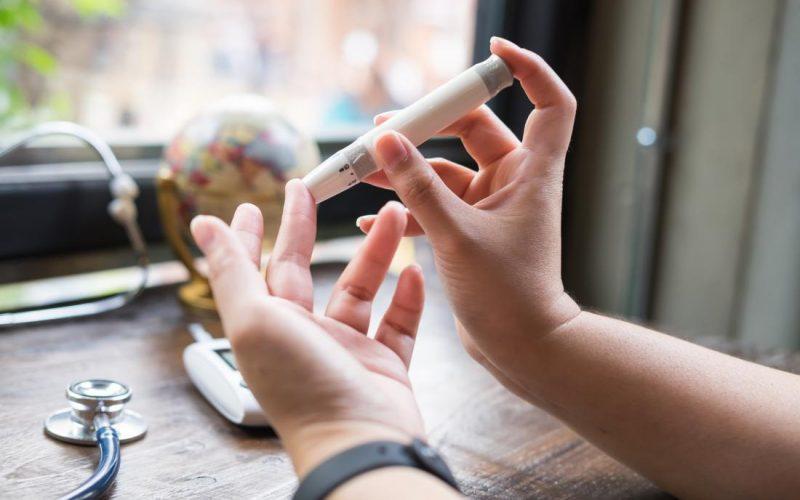 العلاقة بين مرضى السكر وعدم ثبات ضغط الدم وكيفية علاج انخفاض الضغط